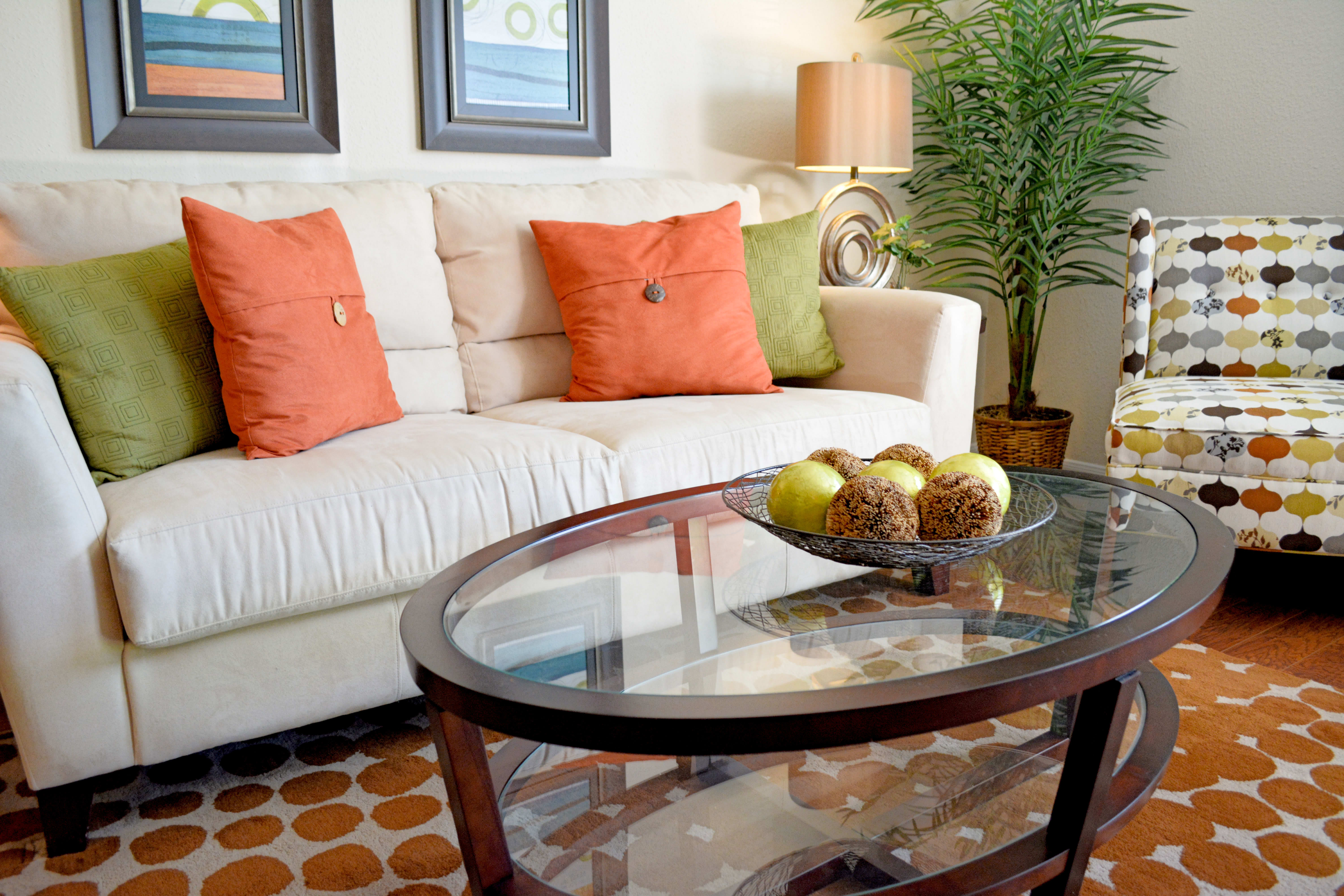 Ample living space at The Abbey At Enclave in Houston