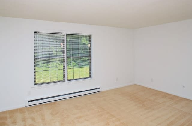 Sturbridge Meadows offers a living room in Sturbridge, MA