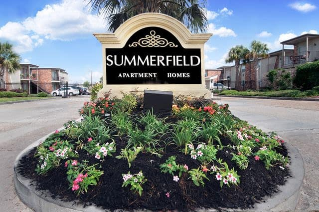 Entrance monument at Summerfield Apartment Homes in Harvey, Louisiana