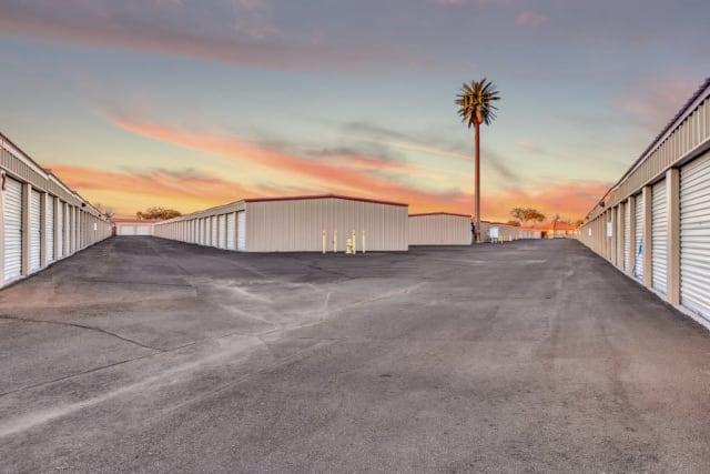 Large aisles at Advantage Storage - Surprise in Surprise, Arizona