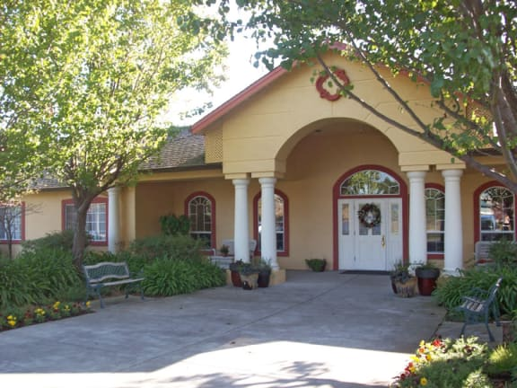 Front entry to MuirWoods Memory Care in Petaluma