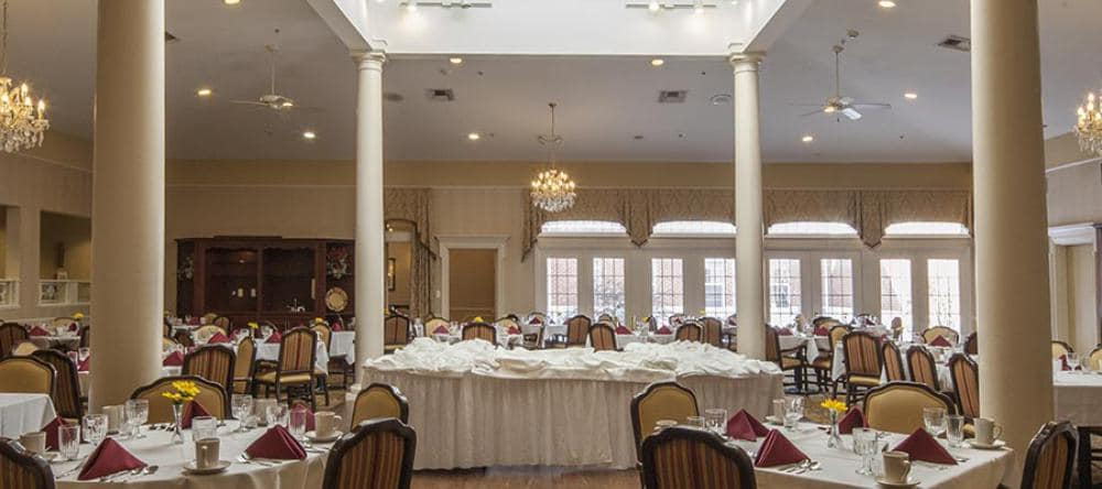 Our independent living facility in Novi, MI offers a beautiful dining area
