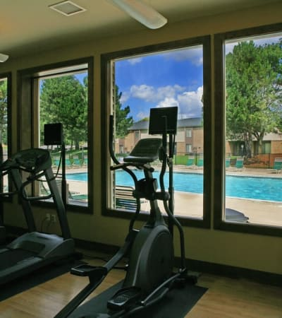 AMENITIES at Fairmont Park Apartments in Farmington Hills, Michigan