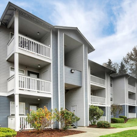 Exterior Building Photo of Pebble Cove Apartments in Renton