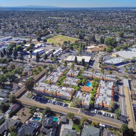 aerial shot of pool and spa of Kendallwood Apartments in Whittier