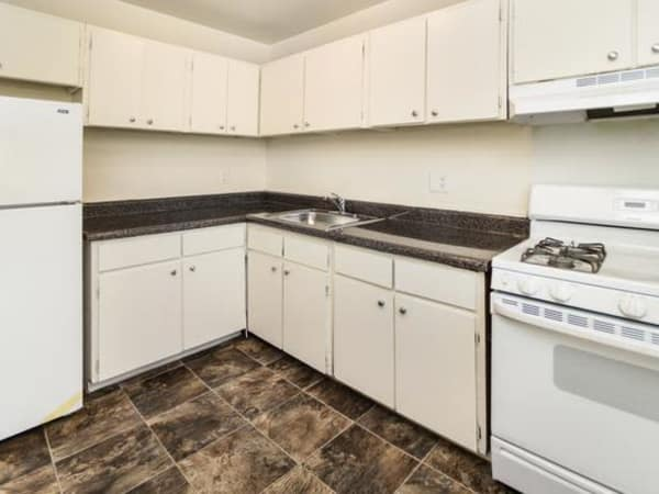 Kitchen at Longview Apartment Homes in Wilmington, Delaware