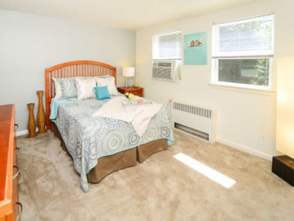 Model spacious bedroom at Wedgewood Hills Apartment Homes