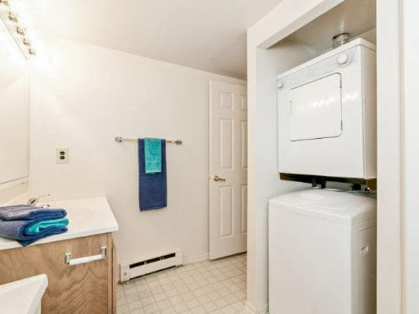Model laundry room at Lincoln Park Apartments & Townhomes