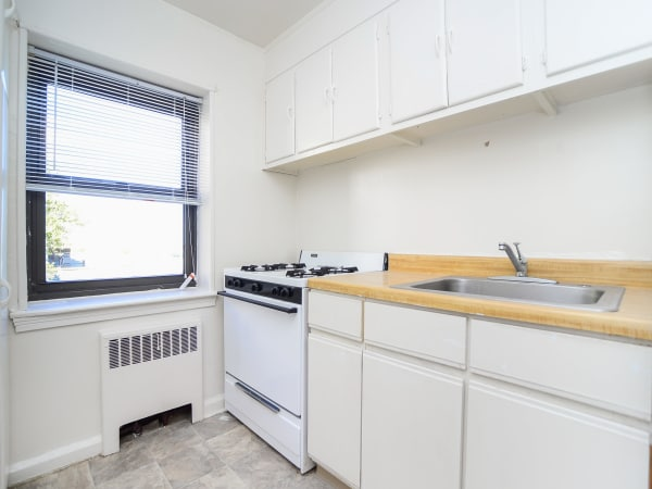 Our apartments in Perth Amboy, New Jersey showcase a spacious kitchen