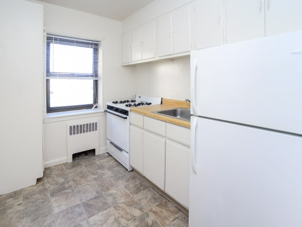 Market Street Apartment Homes offers a beautiful kitchen in Perth Amboy, New Jersey