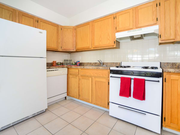 Our apartments in Mahwah, New Jersey showcase a beautiful kitchen