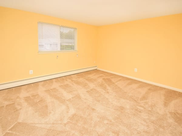 Spacious room at Warwick Terrace Apartment Homes in Somerdale, New Jersey