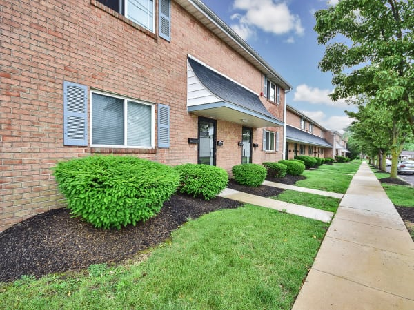 Walking paths at Warwick Terrace Apartment Homes in Somerdale, New Jersey