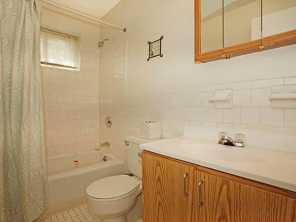 Our apartments in Glen Burnie, Maryland offer a bathroom