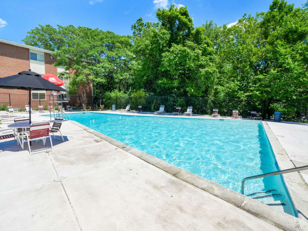 Enjoy apartments with a swimming pool at Glen Ridge Apartment Homes