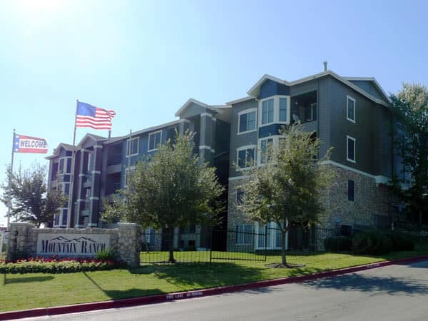 Exterior view of the Mountain Ranch apartments in Austin, TX