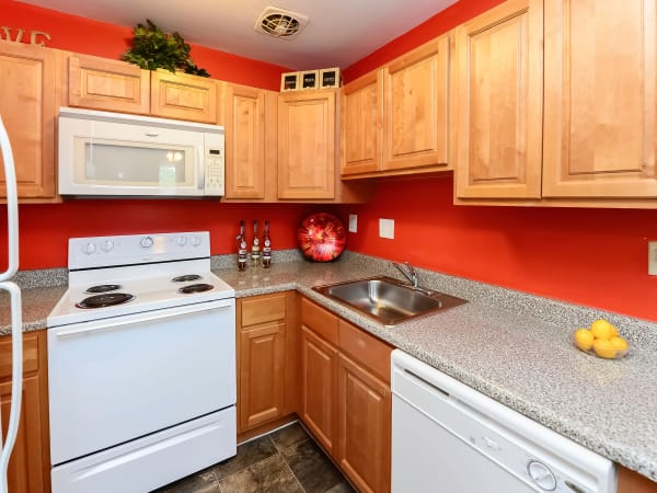 Kitchen at Hyde Park Apartment Homes in Bellmawr, NJ