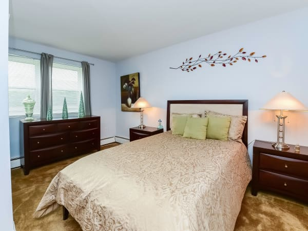 Bedroom at Hyde Park Apartment Homes in Bellmawr, New Jersey