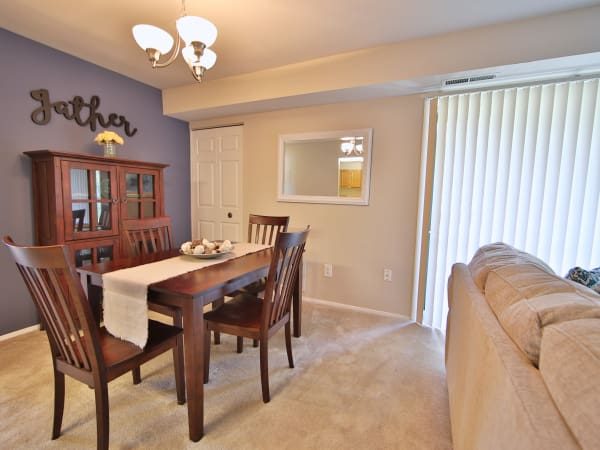 Dining Room at The Preserve at Owings Crossing Apartment Homes in Reisterstown, Maryland