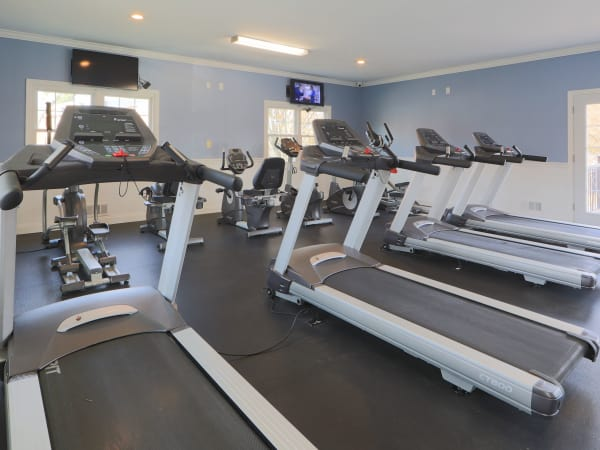 Enjoy Apartments with a Gym at The Preserve at Owings Crossing Apartment Homes in Reisterstown, Maryland