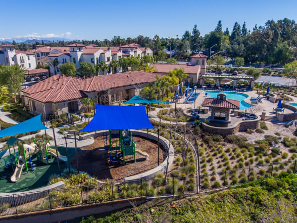 Enjoy the neighborhood at Palisades Sierra Del Oro in Corona