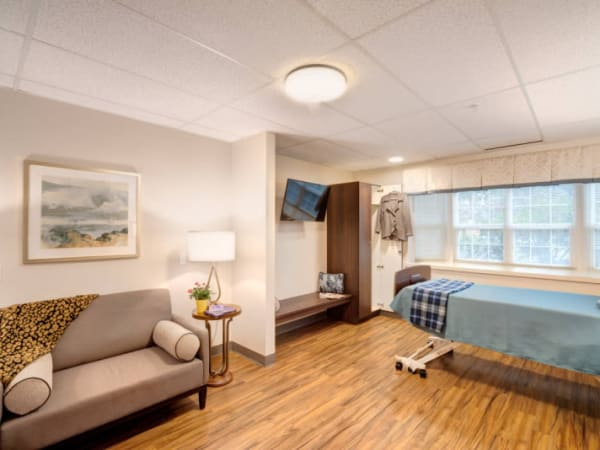 Learn more about luxury suites at Mission Healthcare at Bellevue in Bellevue, Washington.