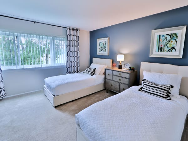 Gwynnbrook Townhomes offers a beautiful bedroom in Baltimore, Maryland