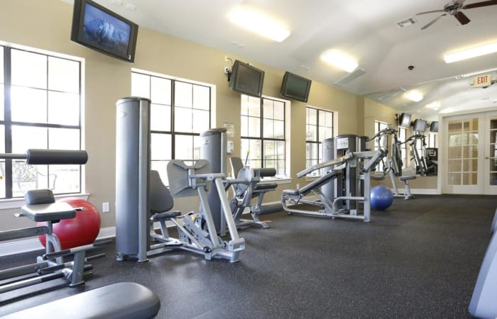 Well-equipped fitness center at Camden Lake Apartments in Baton Rouge, LA