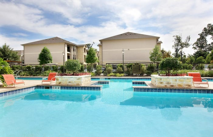 Gorgeous swimming pool area at Camden Lake Apartments in Baton Rouge, LA
