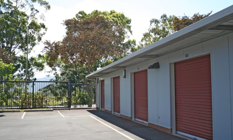 Exterior view of our drive-up access units at Hawai'i Self Storage in Mililani