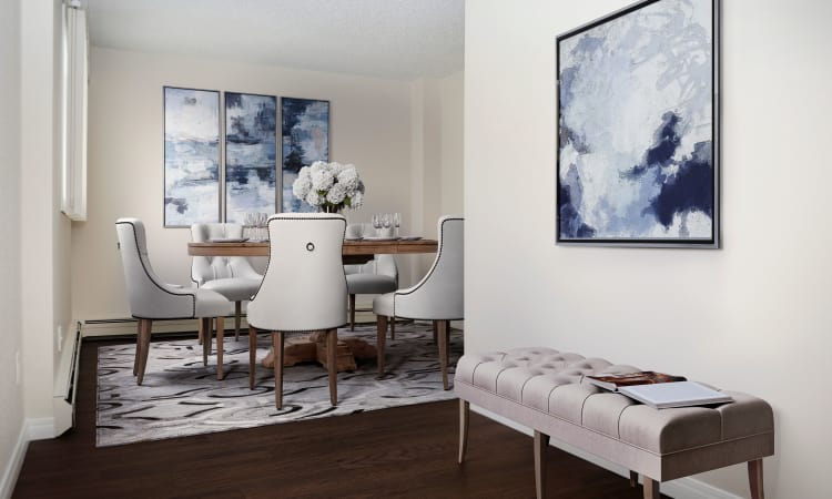 Saskatoon Tower offers a spacious dining room in Saskatoon