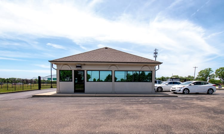 Outdoor storage units at Storage Inns of America in Beavercreek, Ohio