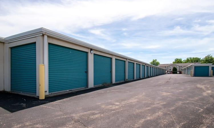 Wide driveways at Storage Inns of America in Beavercreek, Ohio