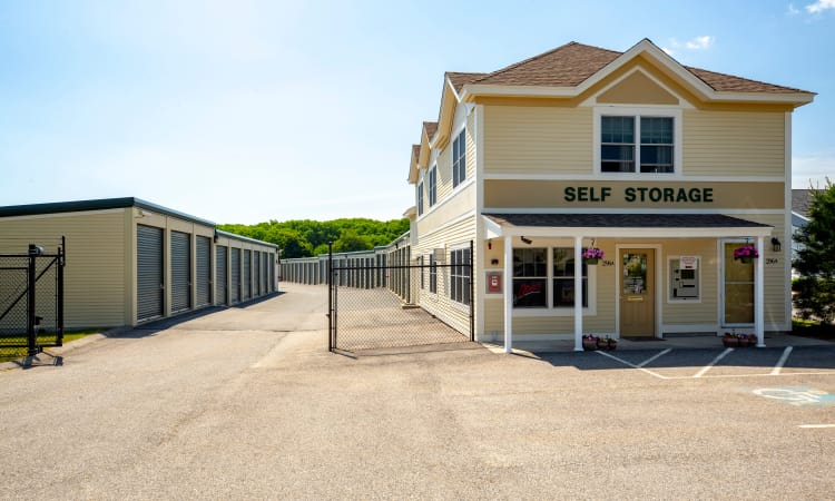 Front entrance to Chelmsford Storage Solutions