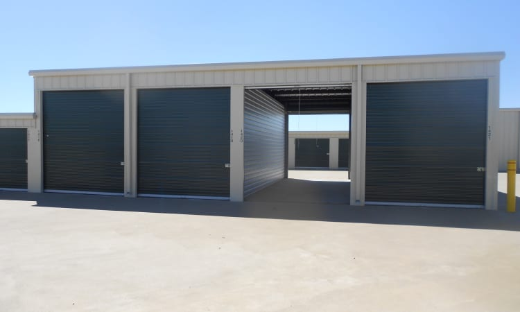 Aarons Self Storage 4 in Waco, Texas, outdoor storage