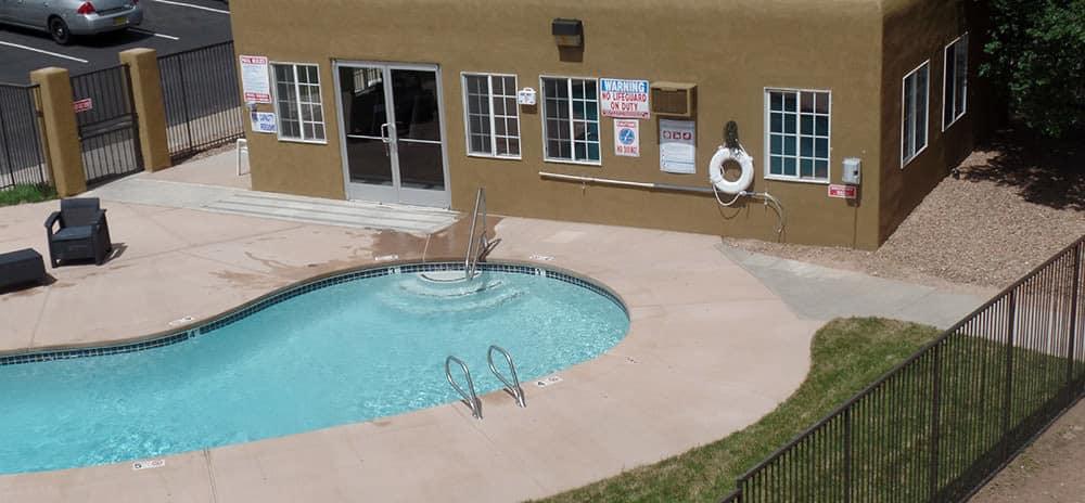 Vista Alegre poolside in Santa Fe, NM