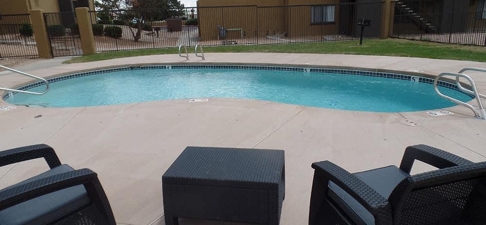 Swimming pool at Vista Alegre apartments in Santa Fe