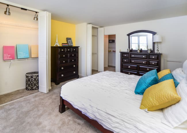 Bedroom at Summit Pointe Apartment Homes in Scranton, Pennsylvania