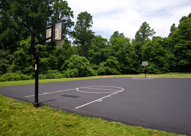Resident basketball court at Marchwood Apartment Homes in Exton, Pennsylvania.