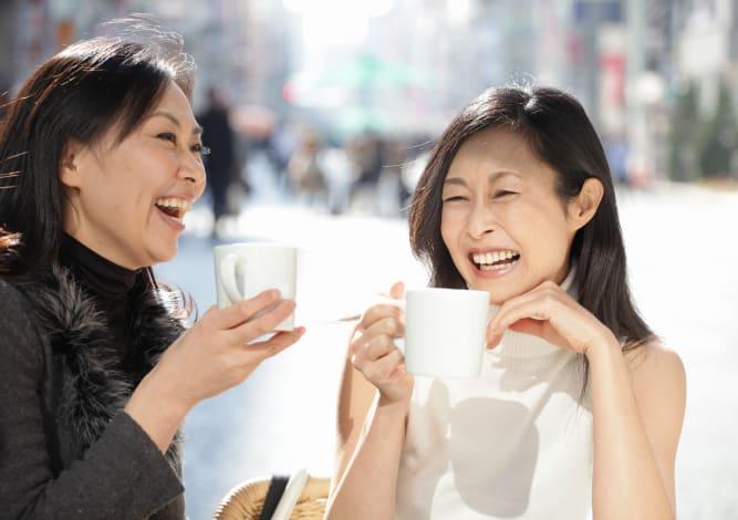 Two ladies drinking coffee in Jacksonville, Florida near Riverside St. Johns