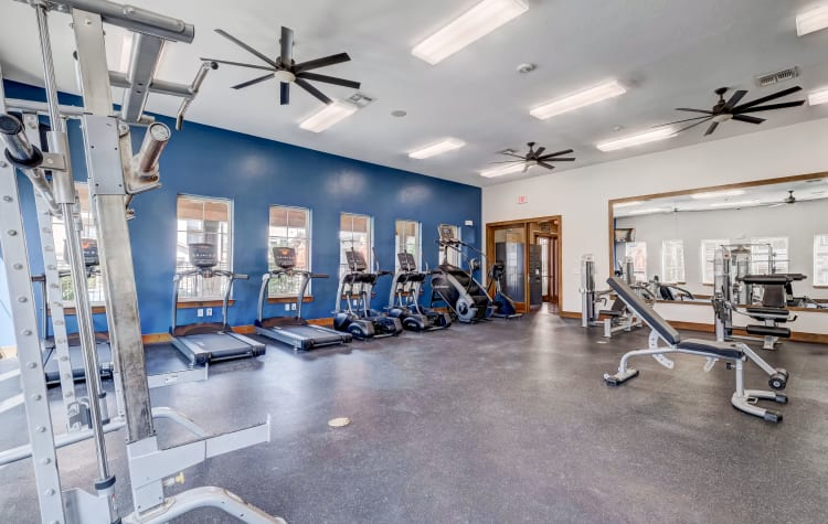 Very well-equipped onsite fitness center at Overlook Ranch in Fort Worth, Texas