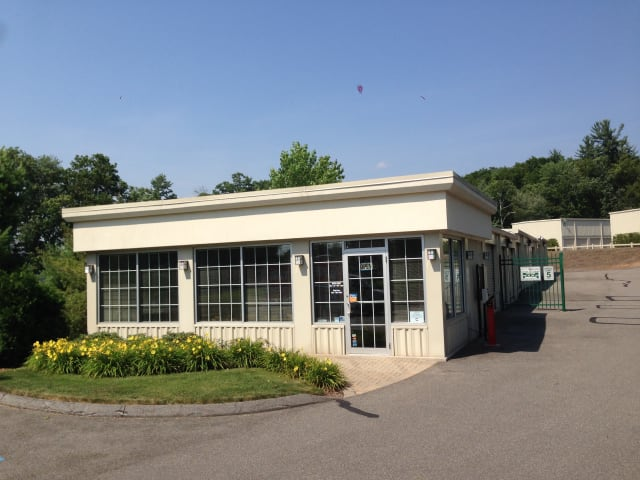 Exterior view at CT SELF STOR in Glastonbury, CT