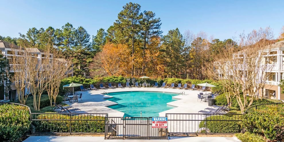 Resort style pool at Jefferson Lakeside Apartments