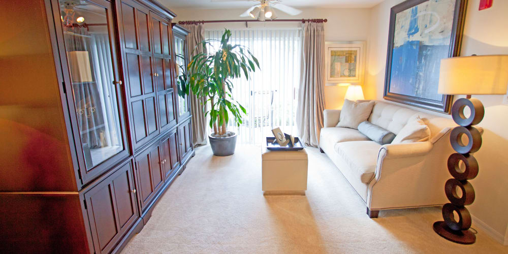 A view of the living room at Legends Winter Springs in Winter Springs, Florida