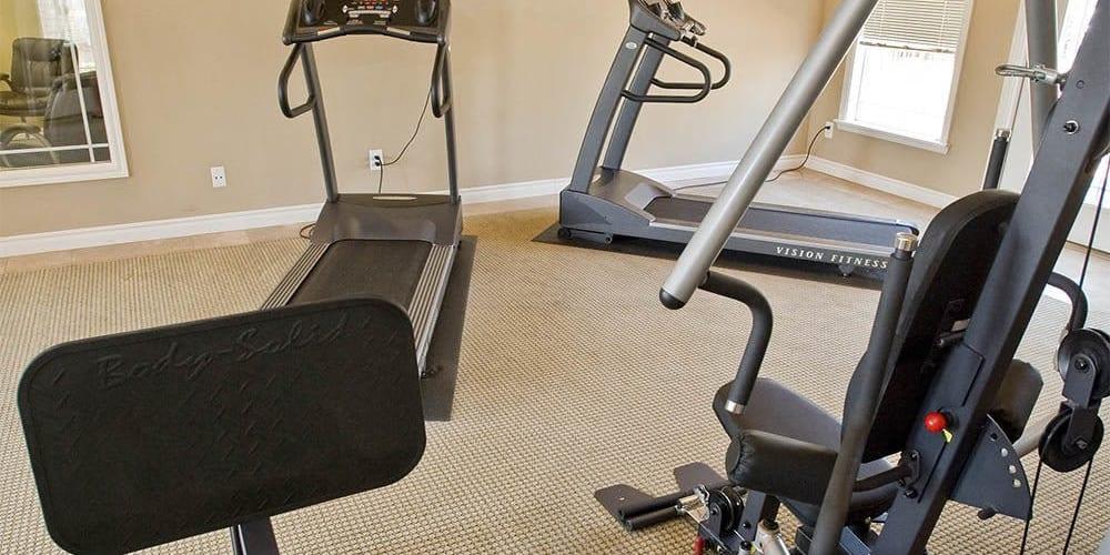 The fitness center at Villas at Stonebridge in Edmond, Oklahoma