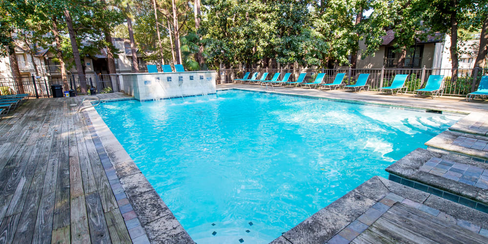 The community pool at The Trace of Ridgeland in Ridgeland, MS