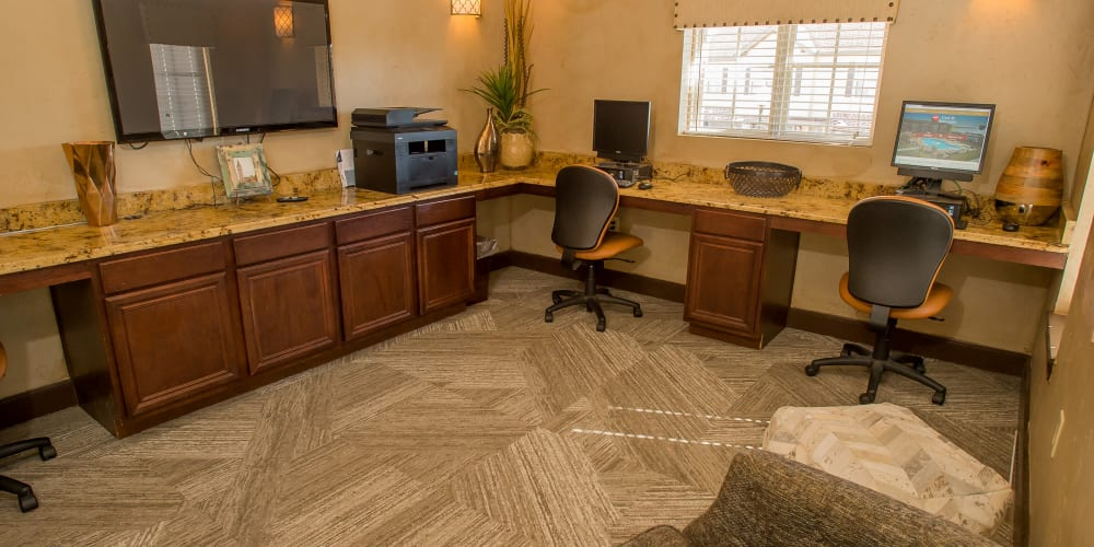 The computer room at Tuscany Hills in Tulsa, Oklahoma