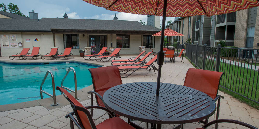 The community pool at Cimarron Pointe Apartments's business center in Oklahoma City, Oklahoma