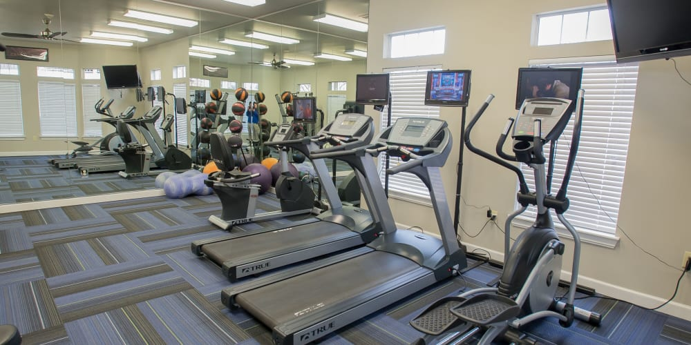 The fitness center at Villas at Aspen Park in Broken Arrow, Oklahoma