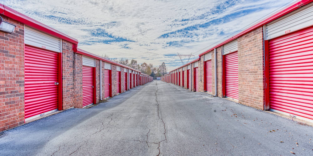 Large driveways through Devon Self Storage in Cordova, Tennessee